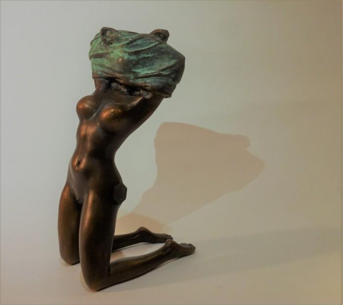 "Bronze Figurine ""T-shirt"""