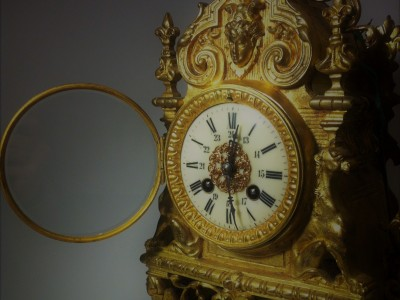 Mantel French Clock gilt-bronze
