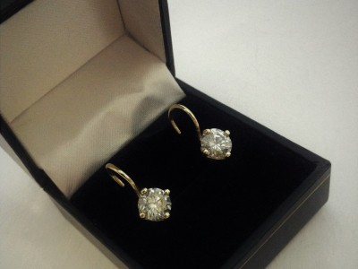 Earring Moissanite