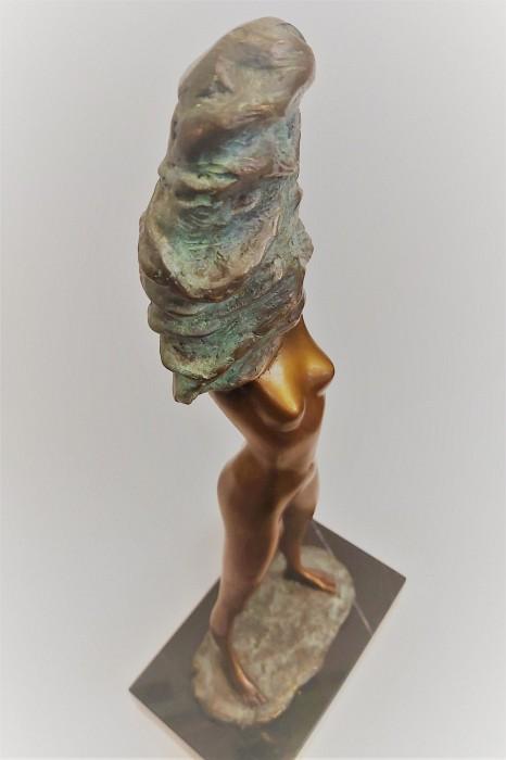 """Sculpture of a woman """"Undress"""""""